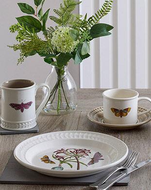 Botanic Garden Harmony Papilio Opal 8.5 Inch Salad Plate (African Daisy)